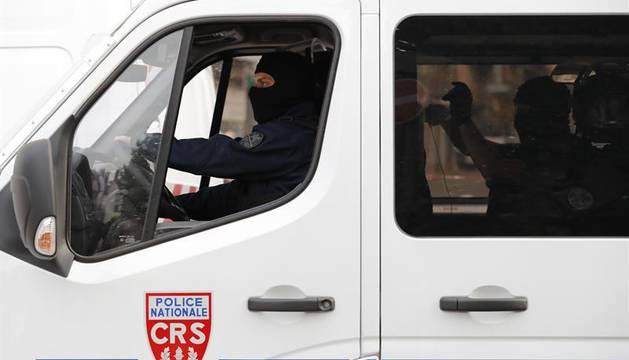 Un furgón de la policía francesa.