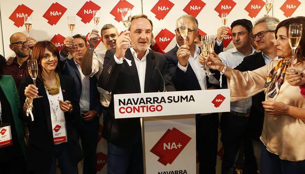 Foto de Esparza en la noche electoral de Navarra Suma en el Iruña Park.