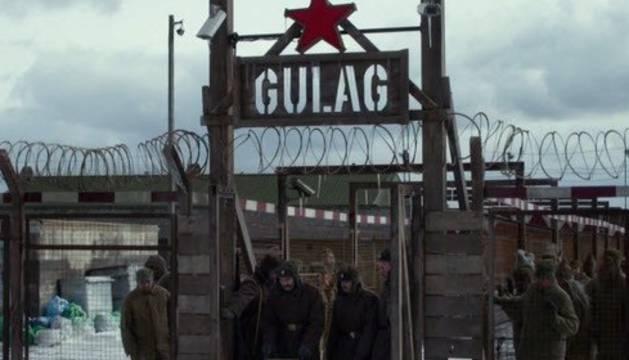El viaje de dos fotógrafos españoles en busca de los vestigios del gulag