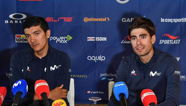 Mikel Landa y Carapaz, en la rueda de prensa de este lunes.
