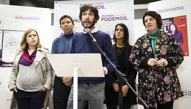 Mikel Buil durante el discurso tras conocer los resultados de las elecciones del 26M en Navarra.