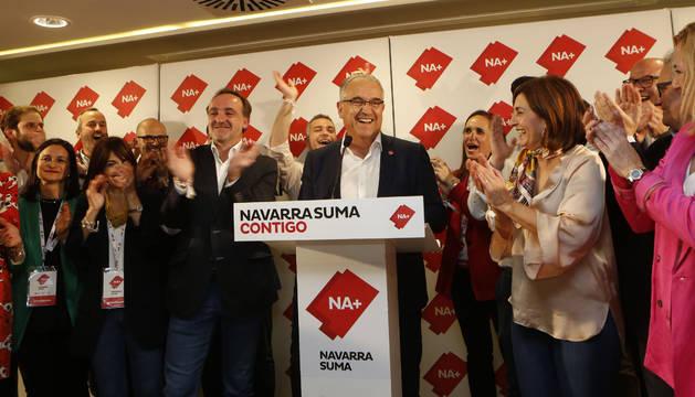 Foto de Enrique Maya en la noche electoral de Navarra Suma.