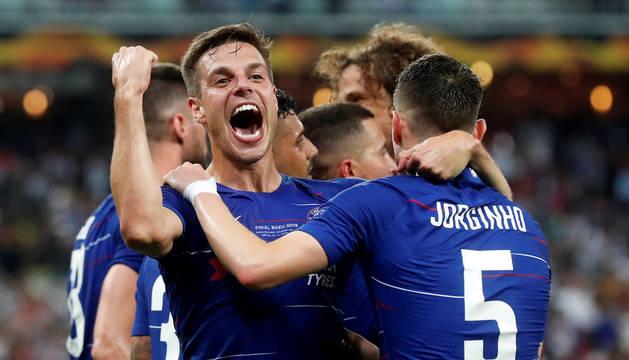 Azpilicueta gana la Liga Europa con el Chelsea ante el Arsenal de Monreal