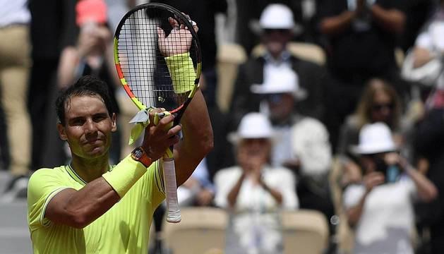 Rafael Nadal celebra su triunfo ante el alemán Yannick Maden.