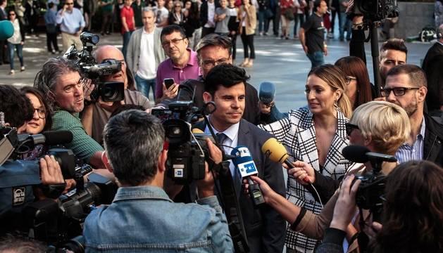 El Juzgado de Primera Instancia número 13 de Valencia ve la demanda de paternidad interpuesta contra el cantante Julio Iglesias por el valenciano Javier Sánchez-Santos.