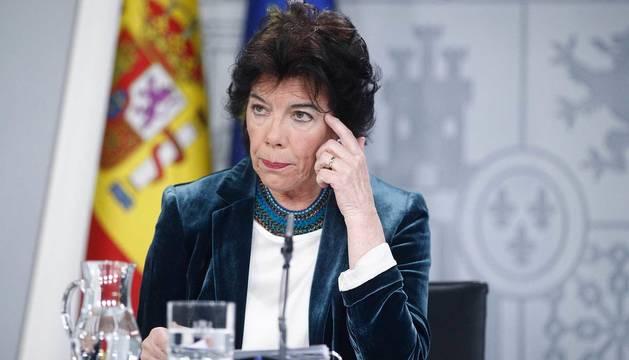 Rueda de presa de la portavoz del Gobierno, Isabel Celaá, tras el Consejo de Ministros.