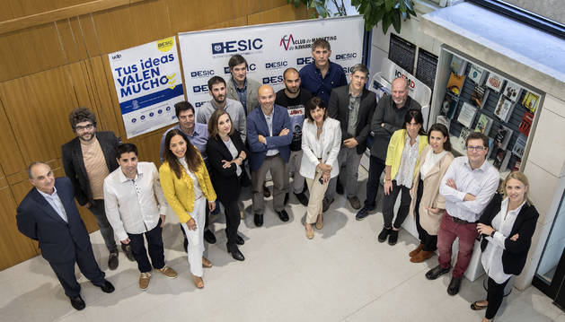 Foto de los participantes en el foro de inversión.