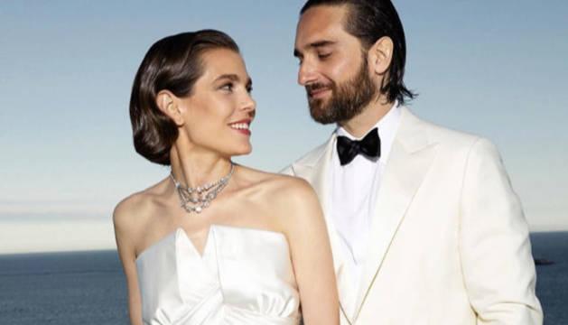 Imagen con la que el Palacio de Mónaco oficializó la boda de la hija mayor de Carolina de Mónaco, Carlota Casiraghi, con el productor de cine Dimitri Rassam.