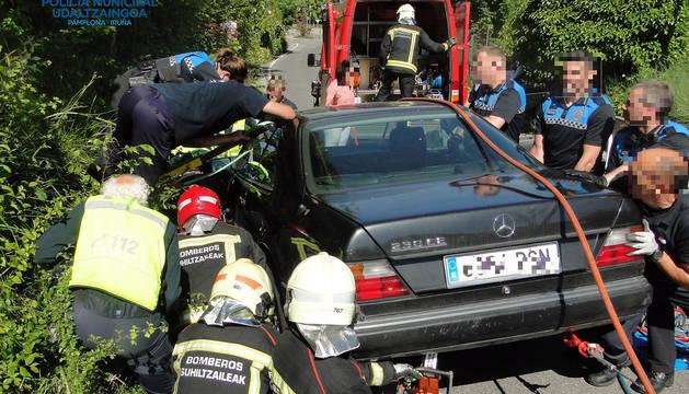 Una joven, grave al ser arrollada por su coche en la incineración del profesor fallecido en Pamplona