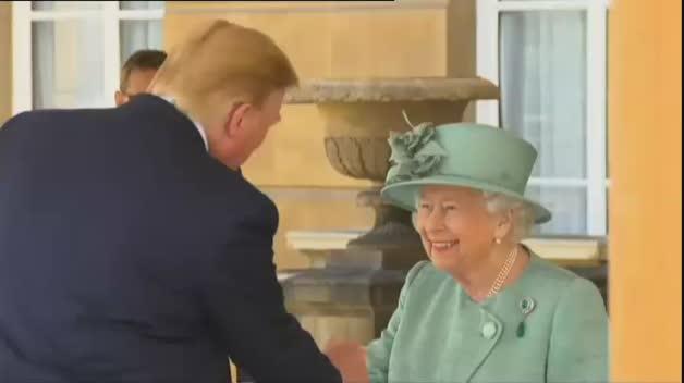 Recibimiento con honores a Trump en el Palacio de Buckingham