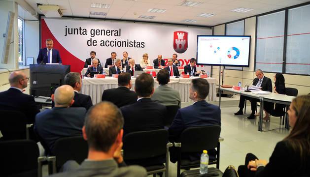 foto de Imagen de la junta general de accionistas celebrada este martes en la sede de la multinacional en Peralta.