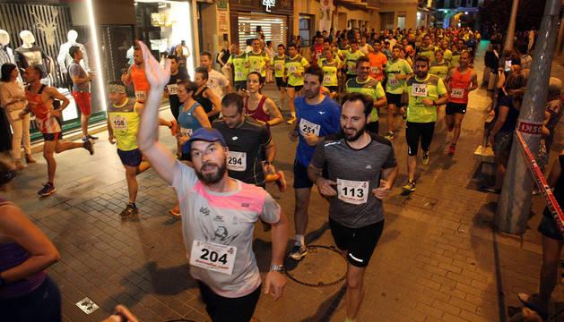 Instante en el que varios atletas recorren la calle Gaztambide-Carrera en la última edición celebrada.