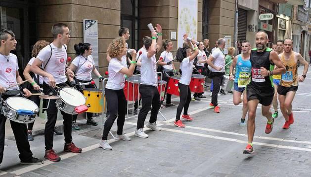 Imágenes de las carreras de 10, 21 y 42 km EDP San Fermín Marathon