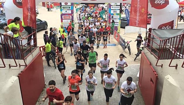 Salen los participantes de las carreras de 10, 21, 42 kms y la de relevos