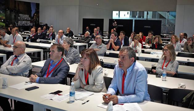 foto de Parte de los asistentes ll Congreso del Futuro del Transporte y Logística, en el Navarra Arena.