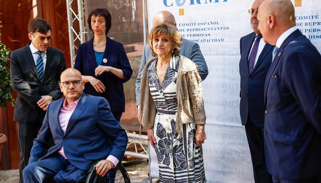 La ministra de Sanidad en funciones, María Luisa Carcedo (centro) durante un acto en Madrid.