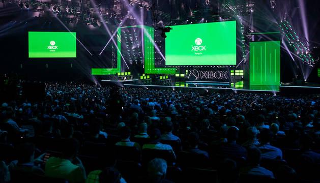 foto de Microsoft anunció en la feria E3 que su nueva consola se llamará Project Scarlett yllegará a las tiendas en las Navidades de 2020.