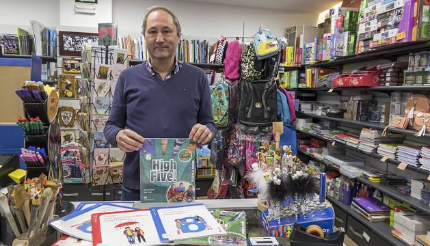Ino Illanes Larrasoain, en Librería Ino, otro de los establecimientos del acuerdo con la apyma.