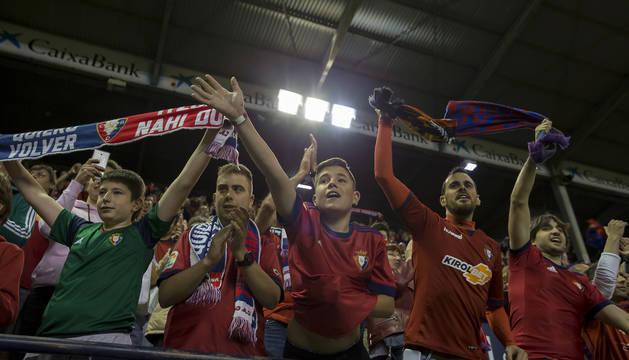 Aficionados rojillos el pasado sábado en el estadio de El Sadar en el último partido del campeonato.