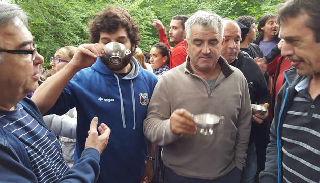 Las tazas de plata regresarán este jueves y el domingo en las fiestas locales de Etxarri Aranatz.