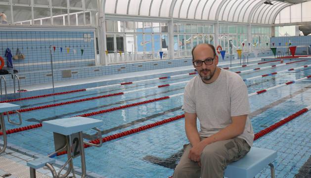 Juantxo Fuertes en la piscina de Guelbenzu, en una fotografía tomada hace escasas semanas.