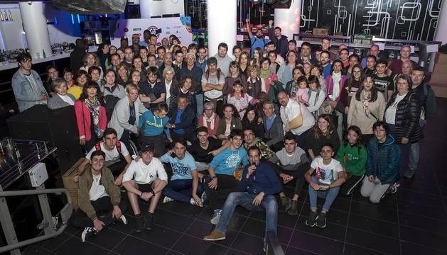 El personal que colaboró en la carrera disputada en Pamplona el sábado 8 de junio celebró una fiesta en una discoteca de Pamplona.