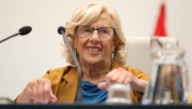 foto de La alcaldesa, Manuela Carmena, presidiendo el último pleno del Ayuntamiento de Madrid