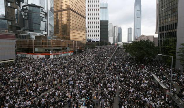 foto de Miles de manifestantes se oponen a las enmiendas a la ley de extradición en Hong Kong