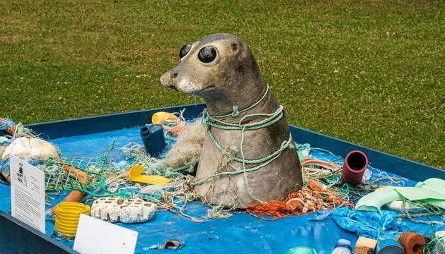 Esculturas con residuos de mar