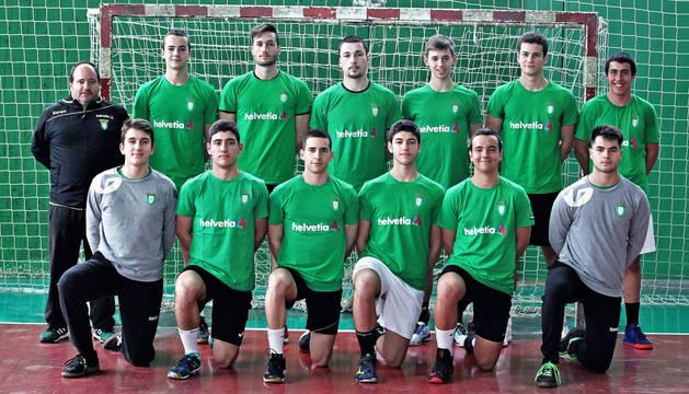 Foto de los doce jugadores elegidos por Iñaki Aniz para realizar unas jornadas de tecnificación.