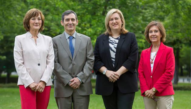 De izquierda a derecha, Fuensanta Cerezo, Teodoro Hernández de Frutos, Olatz Ormaetxea y M. Carmen González-Torres.