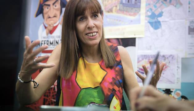 La portavoz socialista, Maite Esporrín, en el despacho del PSN en el ayuntamiento de Pamplona durante la entrevista de este martes.