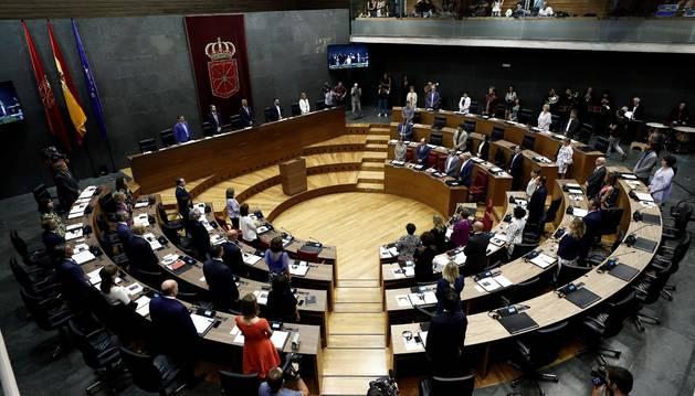 El Parlamento de Navarra acoge este miércoles la sesión constitutiva con la que da comienzo la X Legislatura, un trámite de gran relevancia en el que se elige a la presidencia y a la Mesa que gobernarán la institución durante los próximos cuatro años.