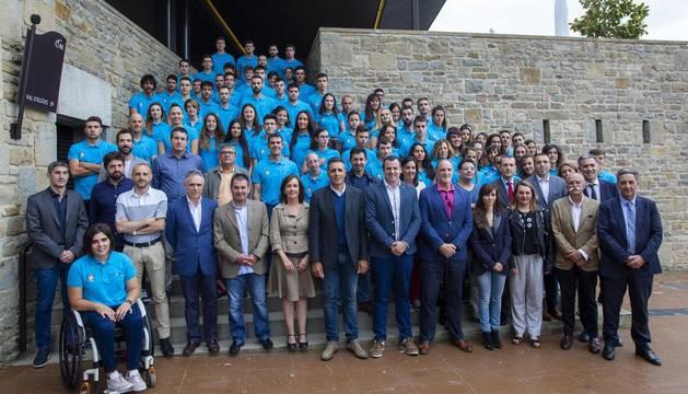 La Fundación Miguel Induráin presenta en sociedad a sus 152 deportistas