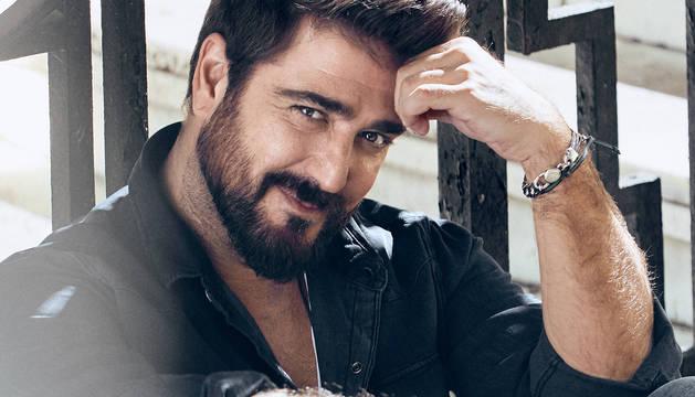 Foto del cantante Antonio Orozco.
