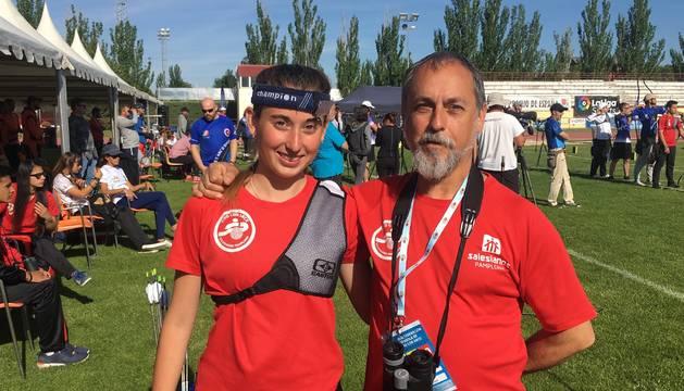 Marta Zuza, a la izquierda en la imagen.