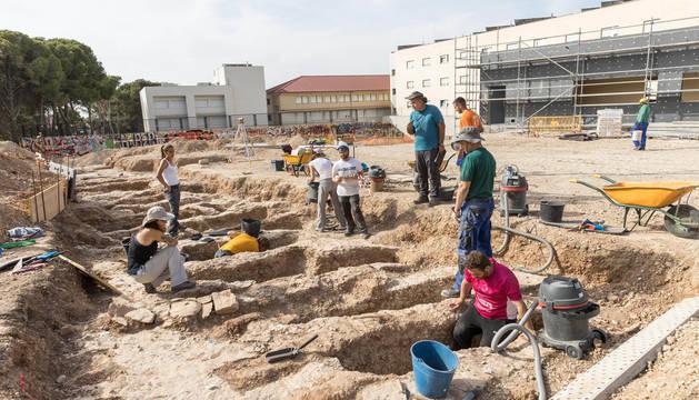 Imagen de una de las zonas de la necrópolis islámica descubierta junto a la Torre Monreal de Tudela.