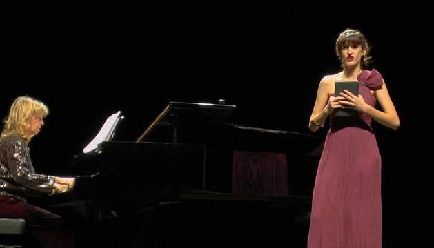 """La cantante Itsaso Loinaz en el concierto """"Con la ópera a todas partes"""" de la Asociación Gayarre."""