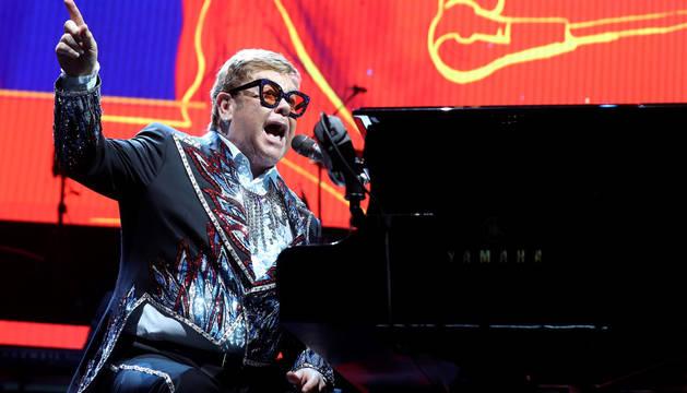Elton Johnse despide deMadrid con más euforia que nostalgia