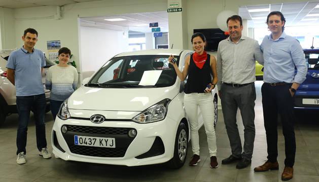 Foto de Leyre Redín recibió ayer el Hyundai i10.