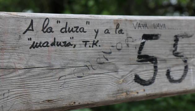 Imagen de uno de los mensajes plasmados en el vallado que protege el encierrillo de Pamplona.