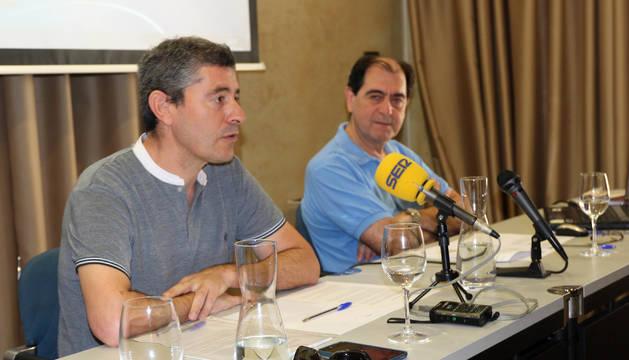 De izquierda a derecha: Eusebio Sáez, presidente de la Comisión Ejecutiva del Consorcio EDER, y Abel Casado, gerente del Consorcio EDER, en la presentación del proyecto.