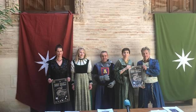 Laura Ros, la edil Cristina Pérez, José Flamarique, Loreto San Martín y Víctor Napal, ayer durante la presentación del programa en la casa de cultura. La asociación eligió  este espacio para la convocatoria.