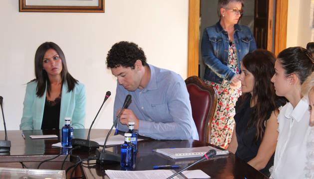 José Luis Murguiondo y otros concejales de Navarra Suma, en el pleno de constitución del nuevo Ayuntamiento que se celebró el pasado 15 de junio.