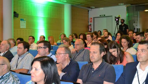 Foto de los empresarios que asistieron a la asamblea de socios y al debate sobre innovación.