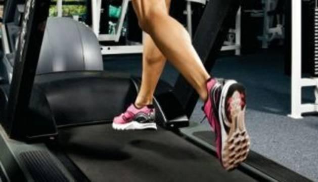 Correr en la cinta puede aliviar el dolor de regla
