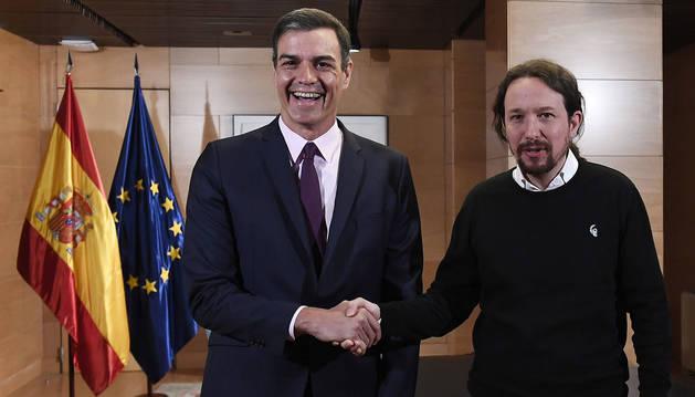 Pedro Sánchez y Pablo Iglesias, en su encuentro en las Cortes.