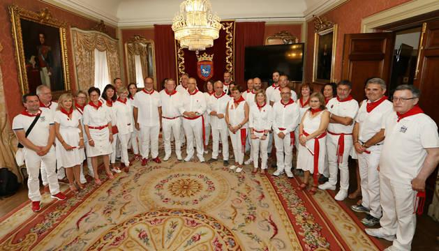 La delegación de Bayona y la coorporación pamplonesa, en la recepción por el día de las ciudades hermanas.