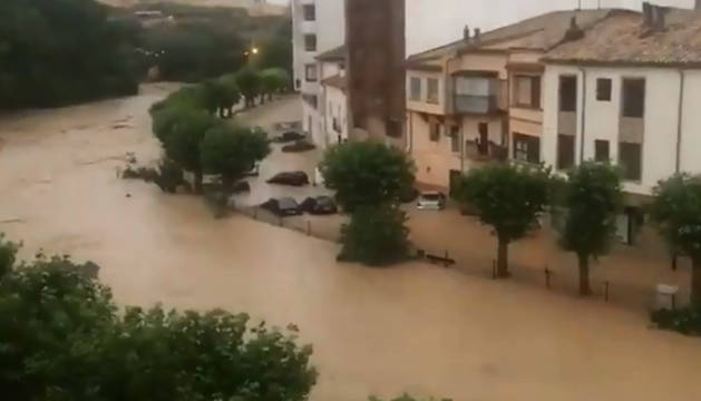 El Cidaco a inundado a su paso por Tafalla.