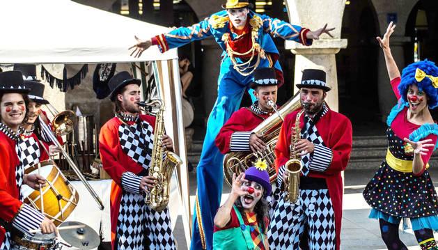foto de Espectáculo 'El mundo del circo' de la compañía Troula Animación